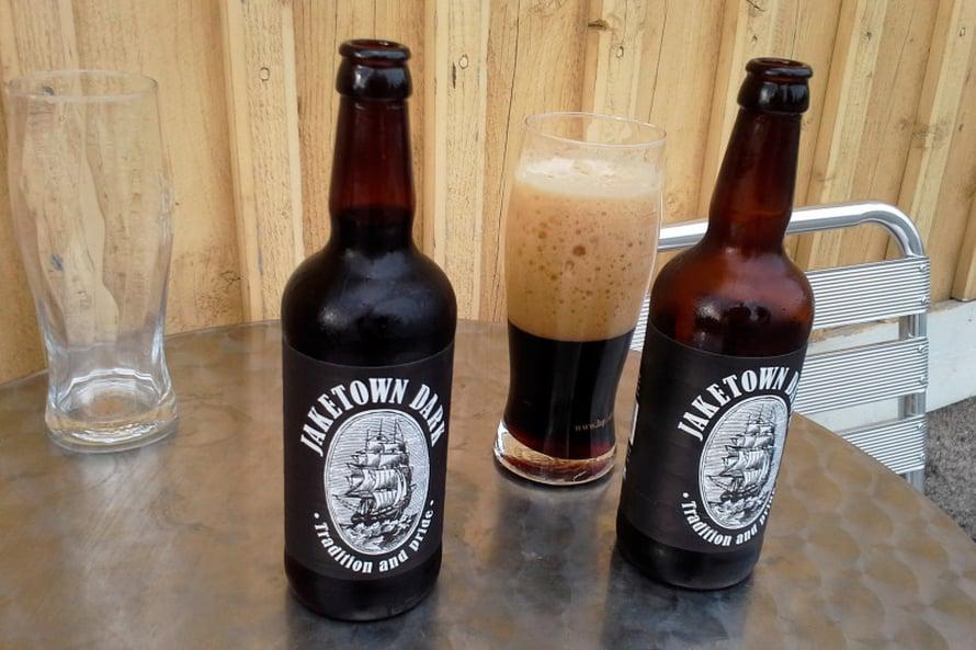 Paikalliset oluet maistuivat Pedros pubissa Nykarleby Wärdhusissa.