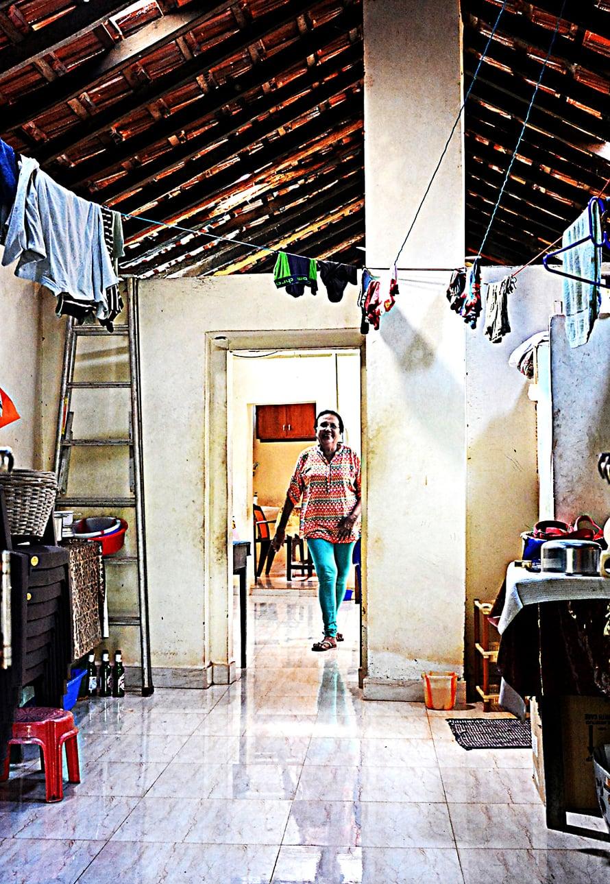 Paula Cardoso elelee rauhallista kotielämää  Pohjois-Goassa.