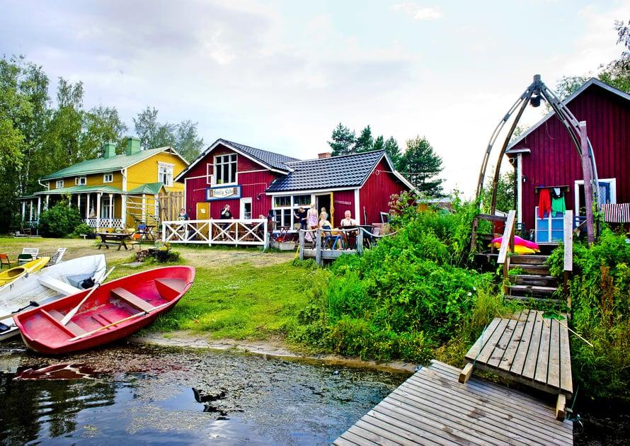Saunasta on lyhyt matka mereen Kokkolan Ykspihlajassa.