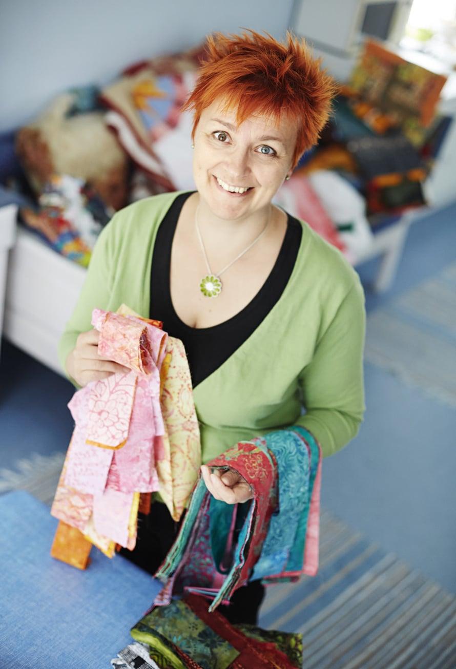 Ulla rakastaa Amerikasta ostettuja batiikkikankaita. Ne ovat siellä aika edullisia.