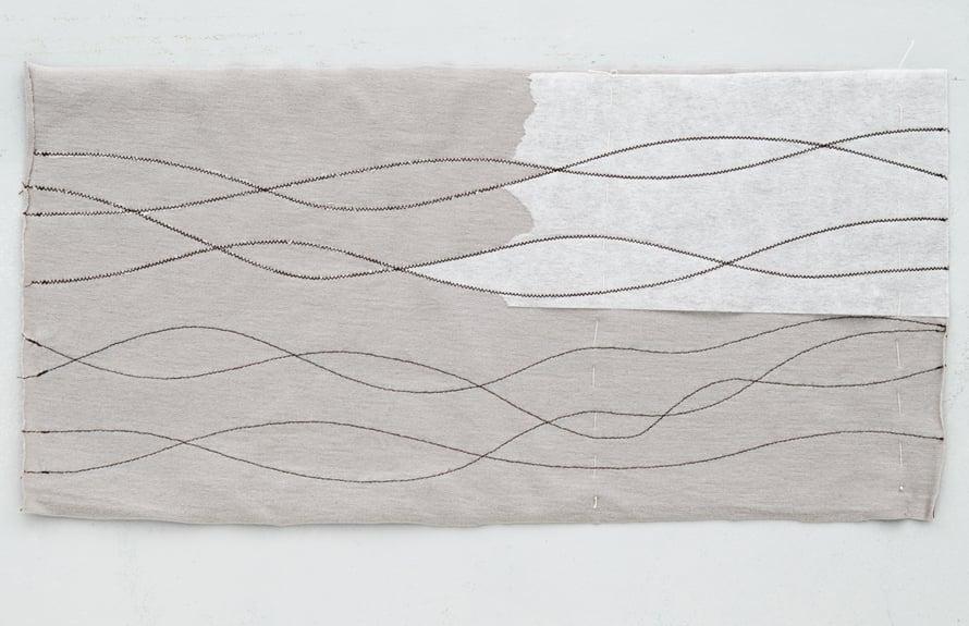 Piirrä kuviot suoraan nurjalle puolelle tai käytä revittävää tukikangasta.