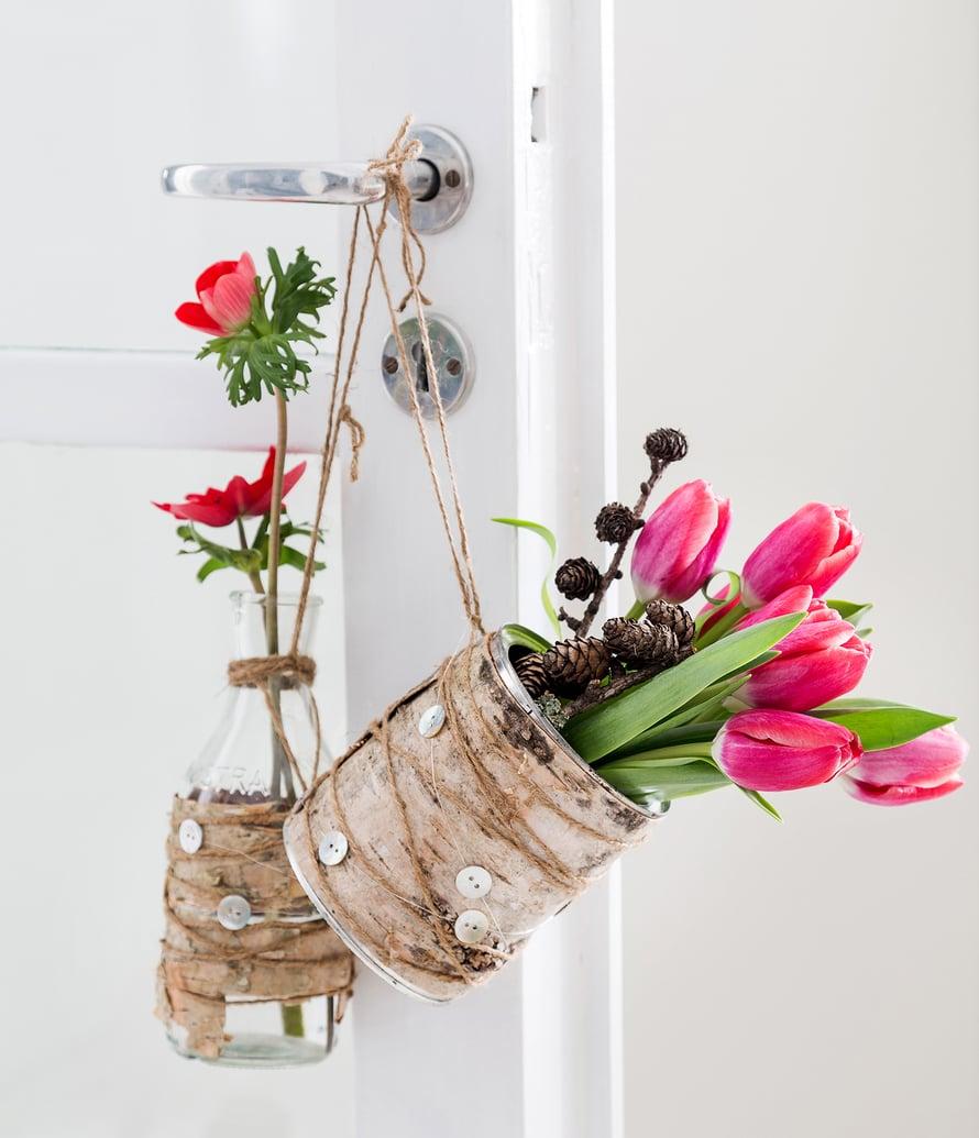 Vaihda leikkokukkien vesi päivittäin. Vie kukat yöksi viileään, niin ne säilyvät pitkään tuoreina.