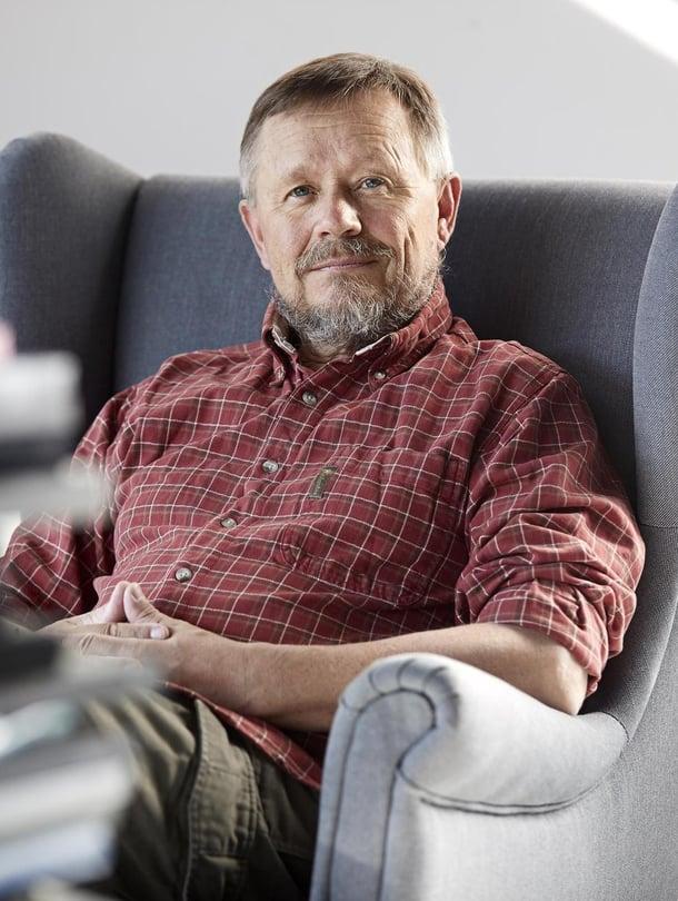 Erkki Lampén on sosiologi, retkeilijä ja matkakirjailija.