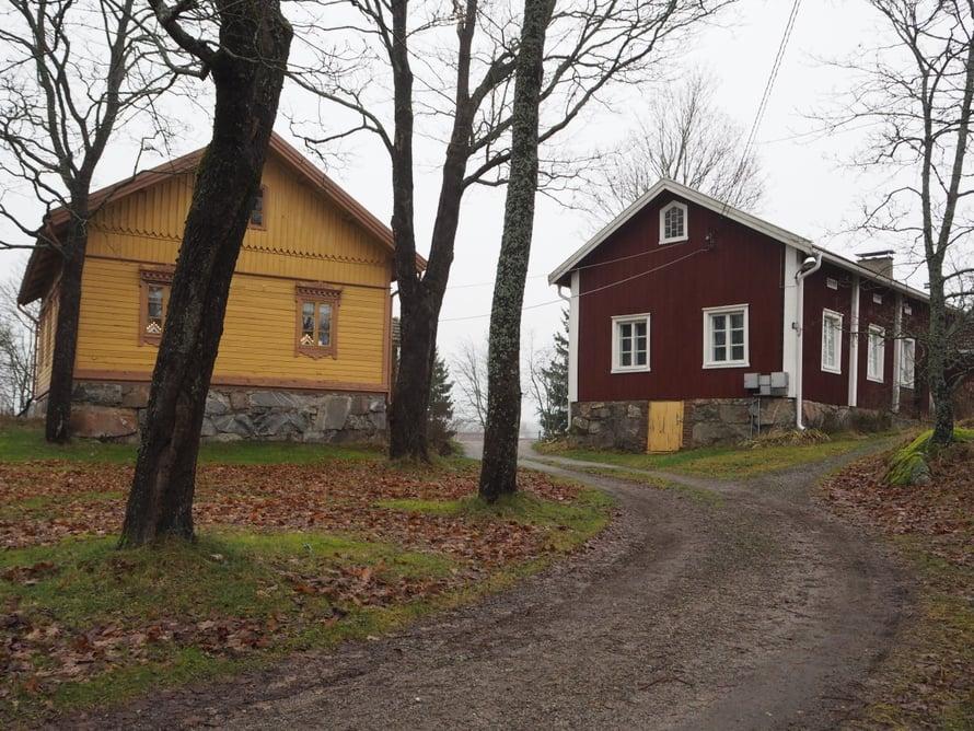 Siirtolapuutarha perustettiin Pisun talon pelloille. Maatilan pihapiiri on nyt siirtolapuutarhayhdistyksen käytössä asukkaiden yhteisinä tiloina..