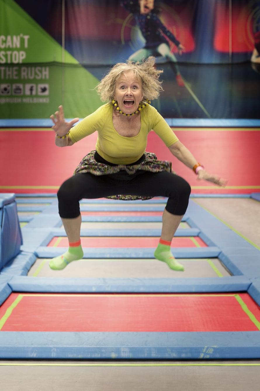 Anneli juhli synttärinsä Rush-trampoliinipuistossa Helsingissä.