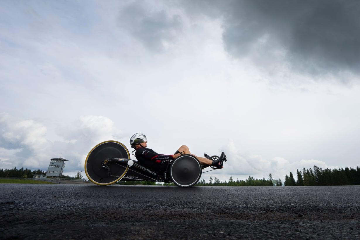 Pekka Heimonen on syntynyt Imatralla vuonna 1960 ja asuu Ranskassa. Hänen perheeseensä kuuluu avopuoliso sekä aikuinen poika. Pekka on Vltec Softwaren tekninen johtaja ja harrastaa pyöräilyä.