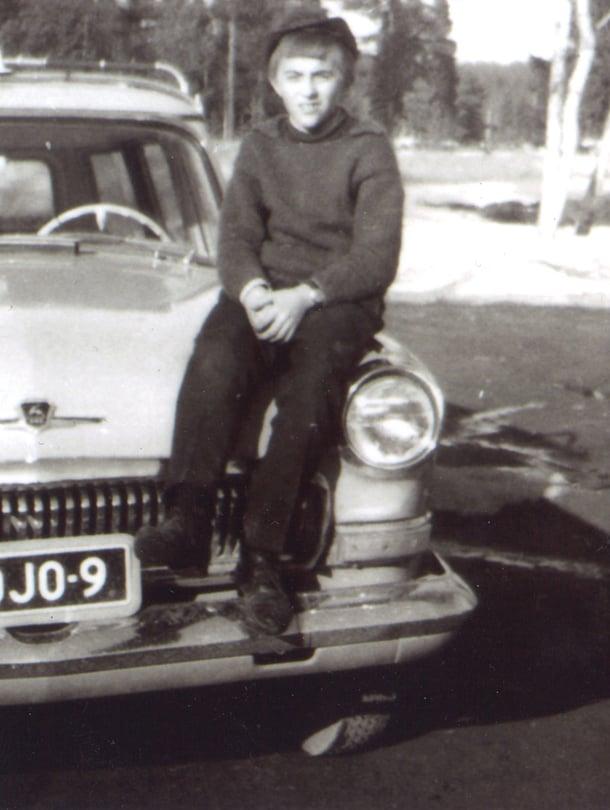Mauri Vääräniemi aloitti pirssimiehen työt 18-vuotiaana Taivalkoskella.