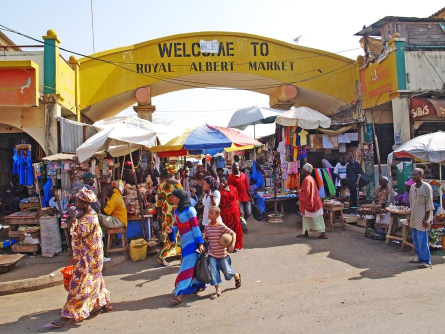 Banjulin laaja  Albert Market tarjoaa aitoa länsiafrikkalaista markkinatunnelmaa.