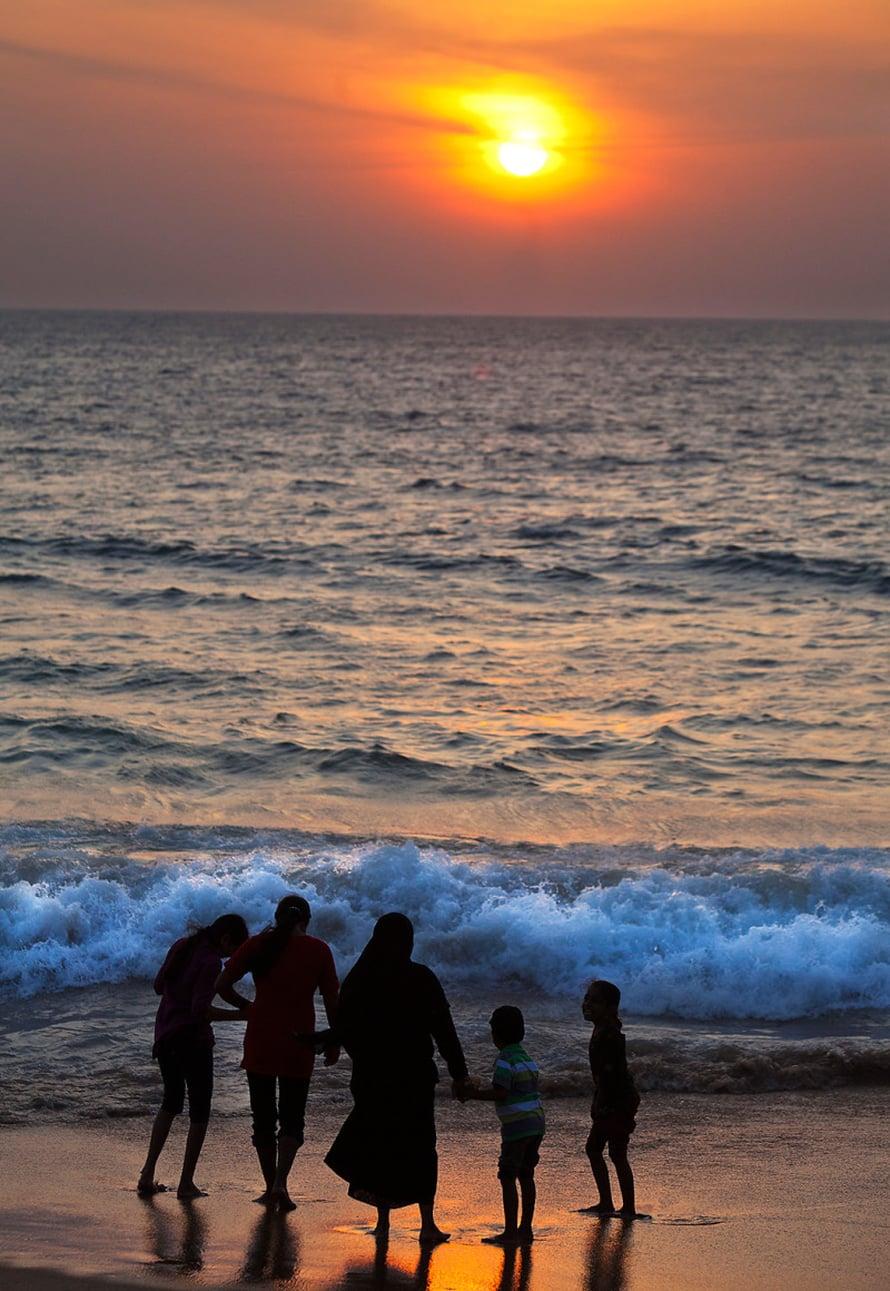 Intian valtameren aallot huuhtovat Colombon rantaa.