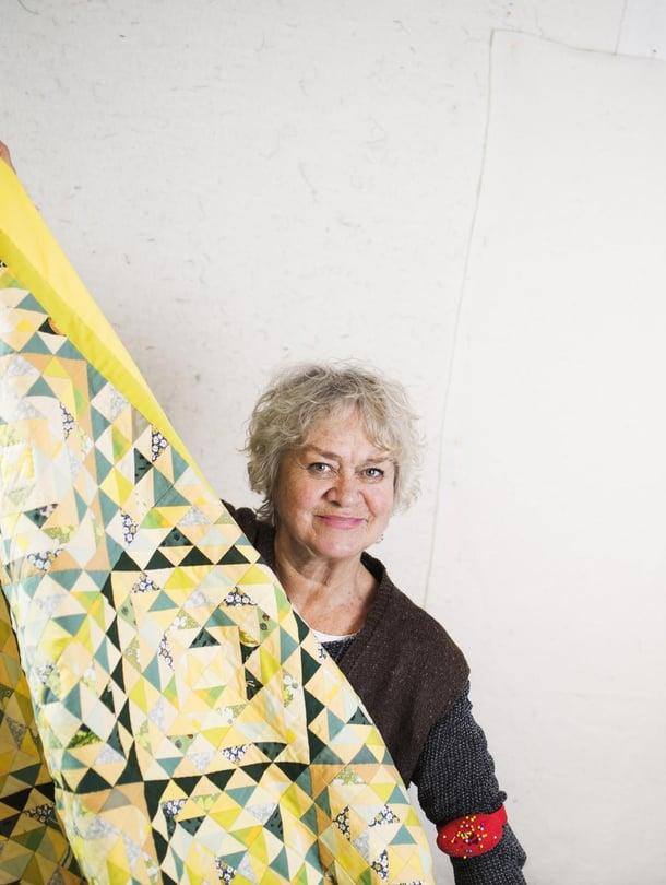 """Marja Packalén on tehnyt käsitöitä koko ikänsä. """"Lopetettuani säännölliset työt vuonna 2012 aloitin uudella tarmolla."""""""