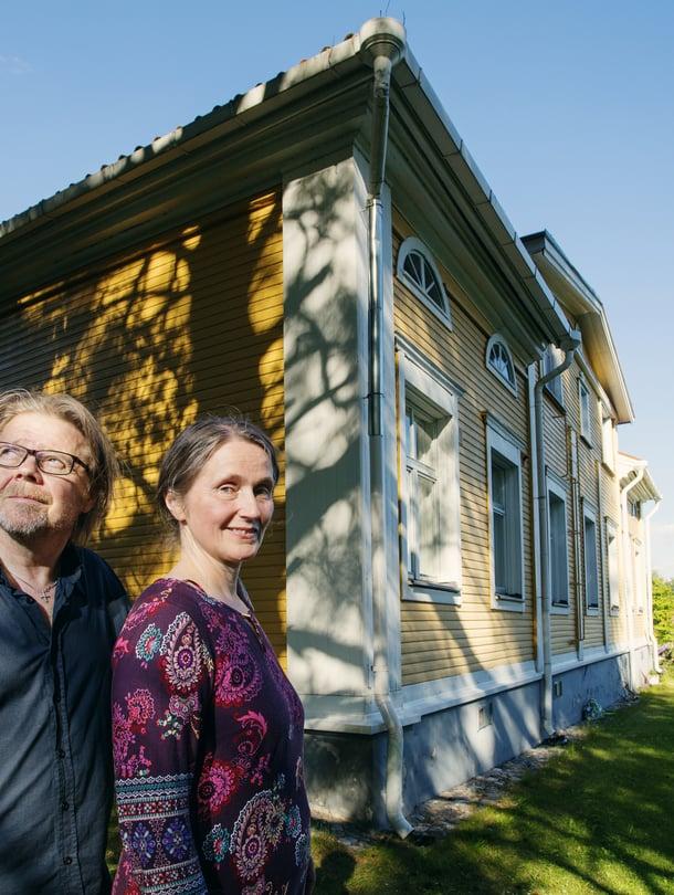 Lapinlahdella sijaitsevan Väärnin pappilan pelastaminen oli spontaani päätös Minna Kettuselle ja Jarkka Rissaselle.