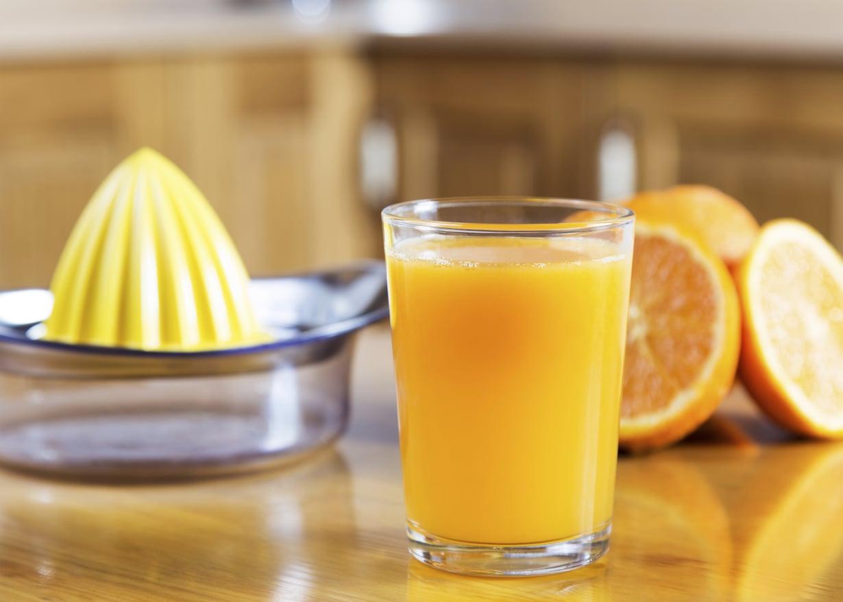 Jos verensokeri laskee liian matalaksi, on hyvä nauttia lasi sokeripitoista mehua ensi hätään.