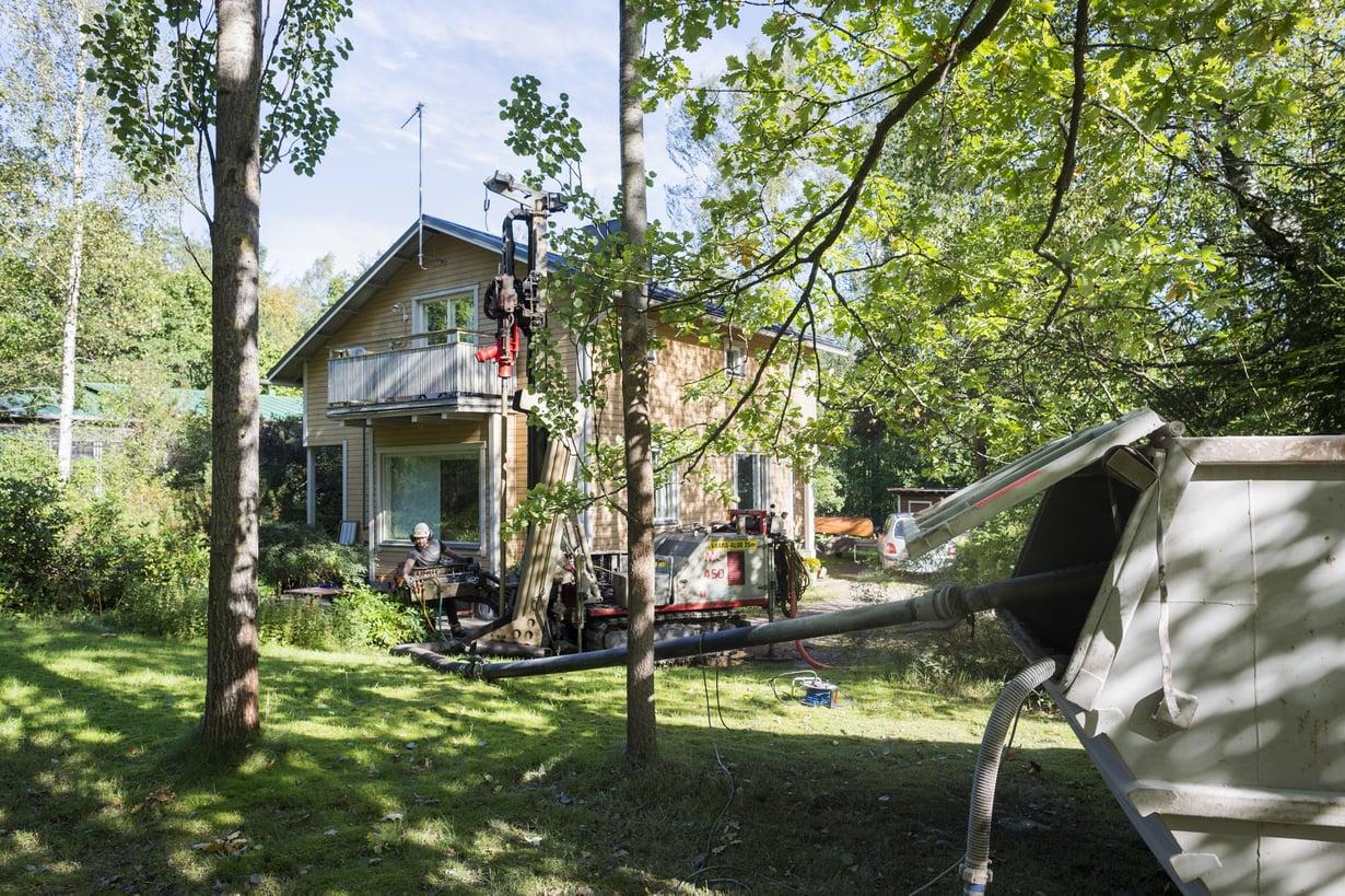 66-vuotias talo on lämmennyt puulla, öljyllä, sähköllä ja nyt maalämmöllä.