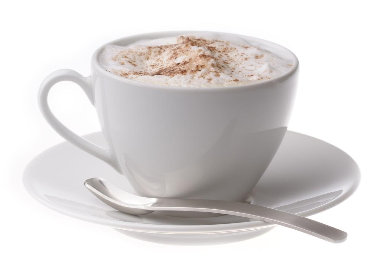 Lämmin soijamaito sopii kahviinkin. Kermaisempi soijatuote myös vaahdottuu.