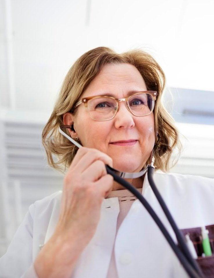 Tiina Saarto johtaa Hyksin Palliatiivista keskusta.
