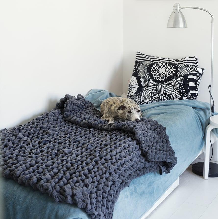Voit neuloa peiton myös sileänä neuleena ja värejä vaihdellen.