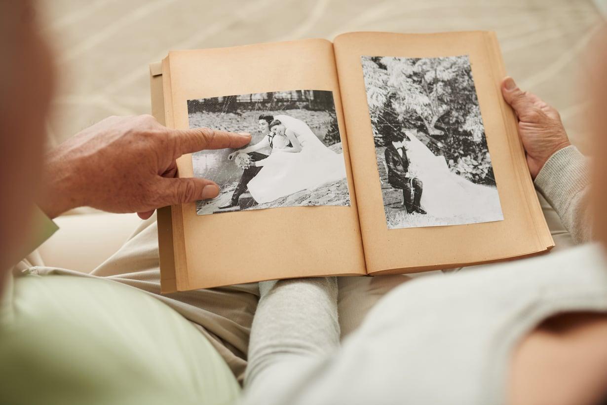 Kaiva esiin vanhat valokuvat! Kuvituskuva.