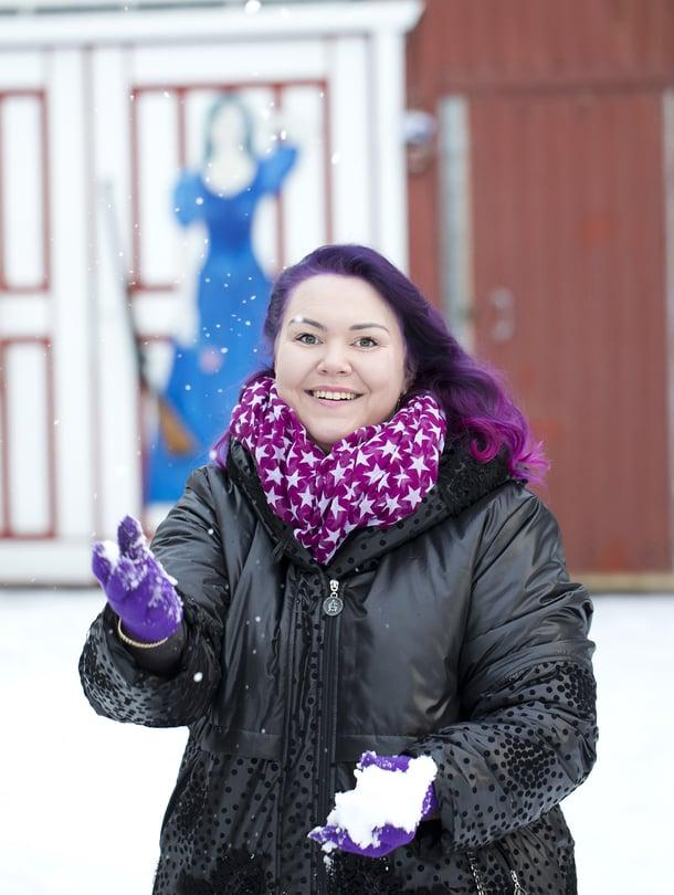"""""""Olen iloinen, etten poistanut profiiliani nettisivustolta ennen kuin Aki löysi minut"""", Heli Palsanmäki sanoo."""