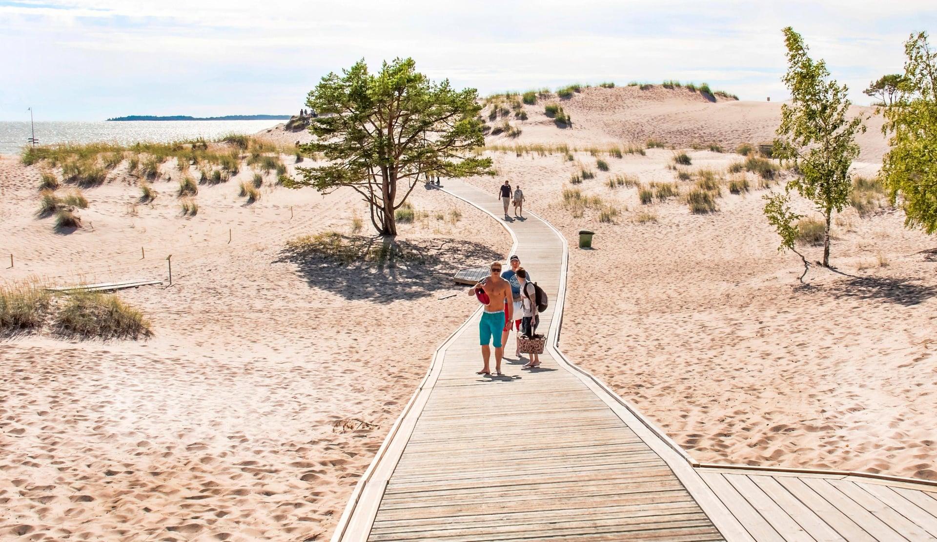 Yyterin ranta on pohjoismaiden pisimpiä. Virkistysalueita on yhteensä 39 hehtaaria.