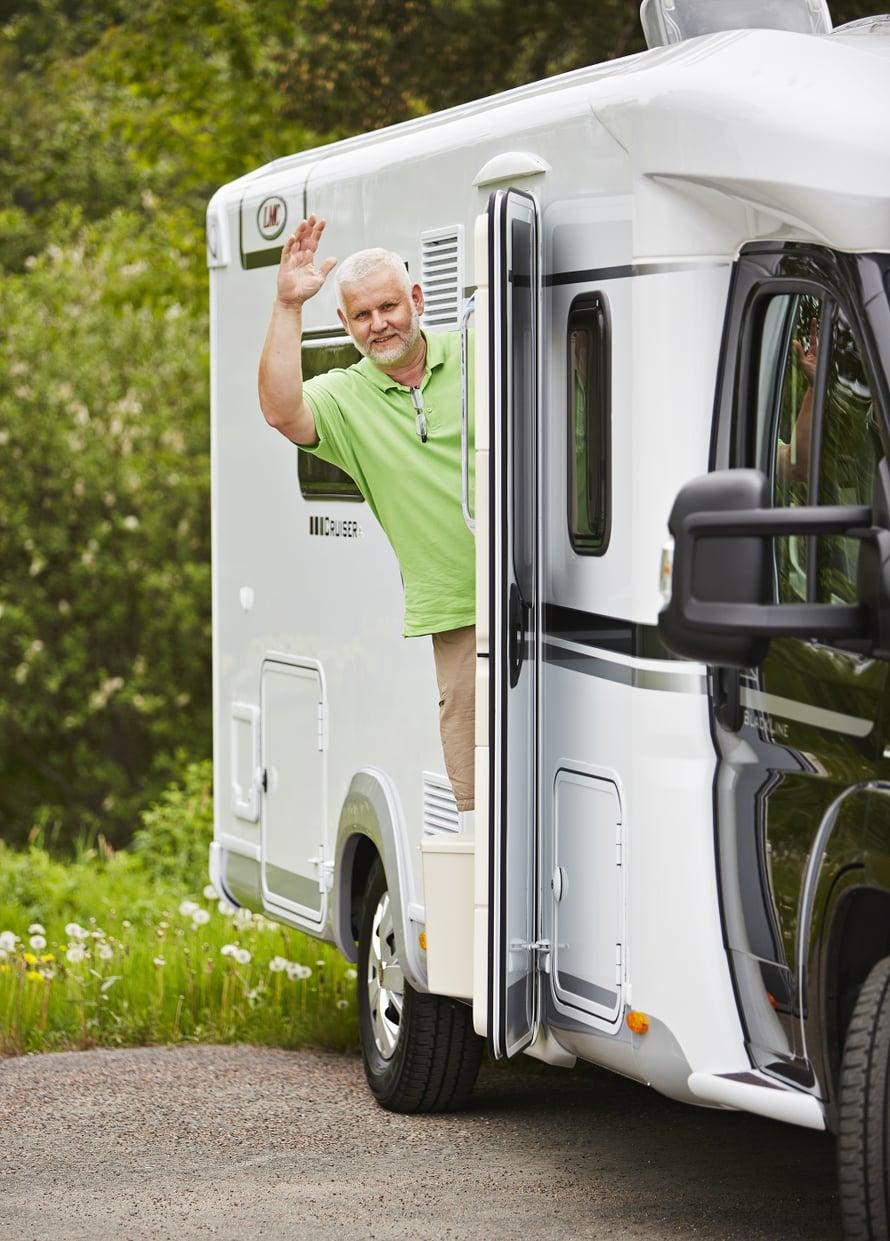 Börje Uimonen pääsi kokeilemaan uutta LMC-matkailuautoa. Oma Viva-asuntoauto on lähes 18 vuotta vanha.