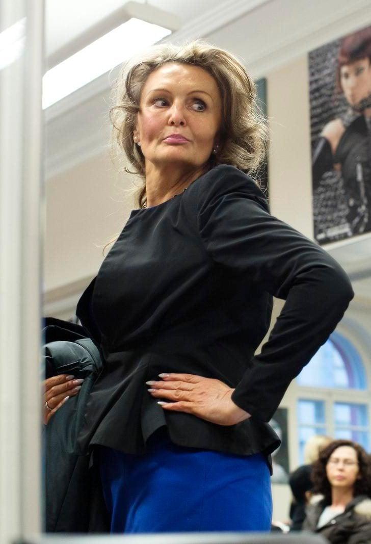 Kova halu kehittyä. Mallikoulun peiliseinä haastaa Anne Hirsmäen.