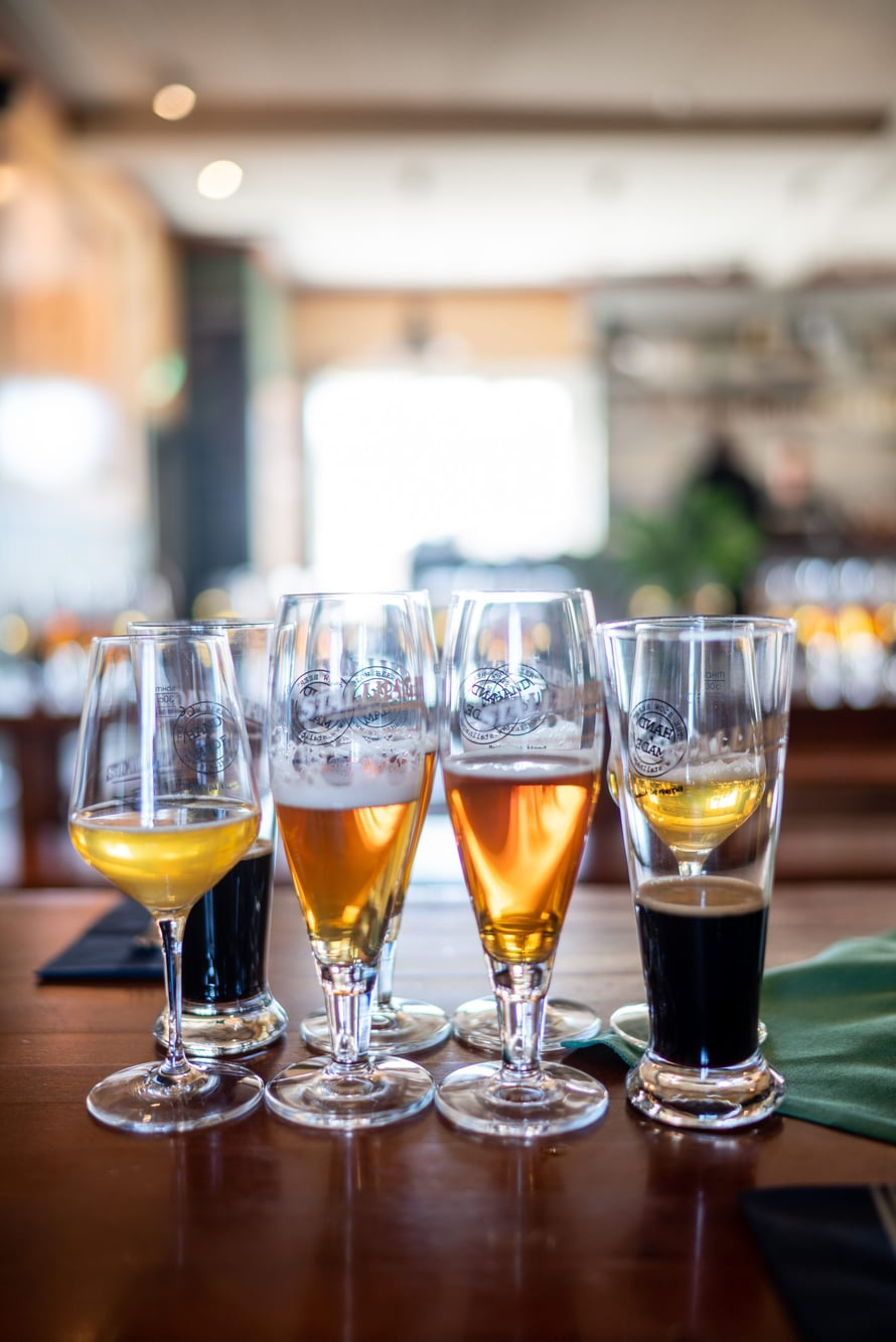 Panimon eri oluita saa myös pieninä maisteluannoksina.