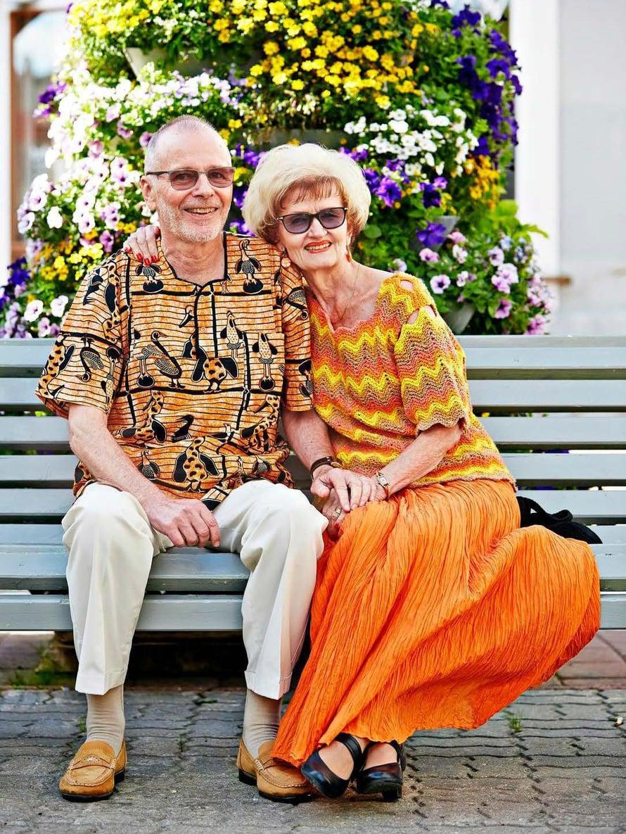 Sirpa ja Reijo Lyytikäinen viihtyvät Pärnussa. Kesäisin he nauttivat kaupungin vehreydestä, talvisin hiljaisuudesta.