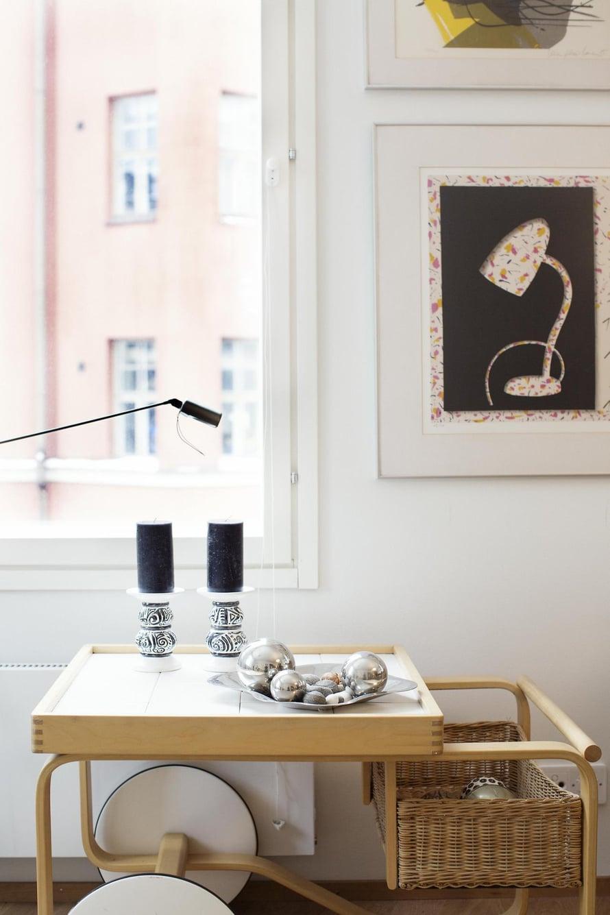 Alvar Aallon tarjoilupöydän ja Hannu Väisäsen teoksen Kirsi Lihr-Koistinen halusi ehdottomasti mukaansa.