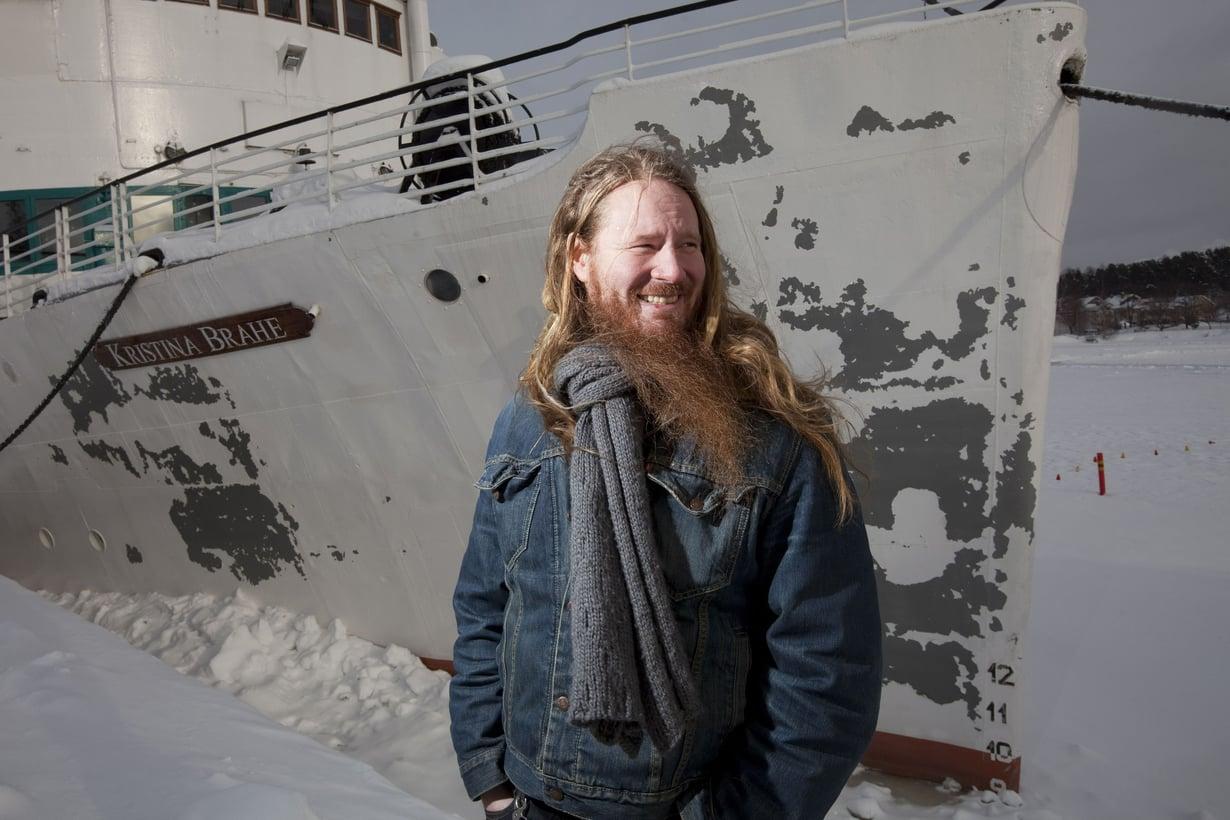 Kotiteollisuus-yhtyeen Jouni Hynynen, 46, on Lappeenrannasta.