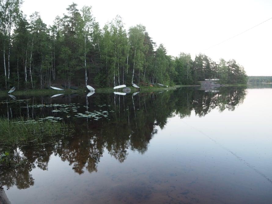 Matidanjärven rannalla voi pulahtaa uimaan.