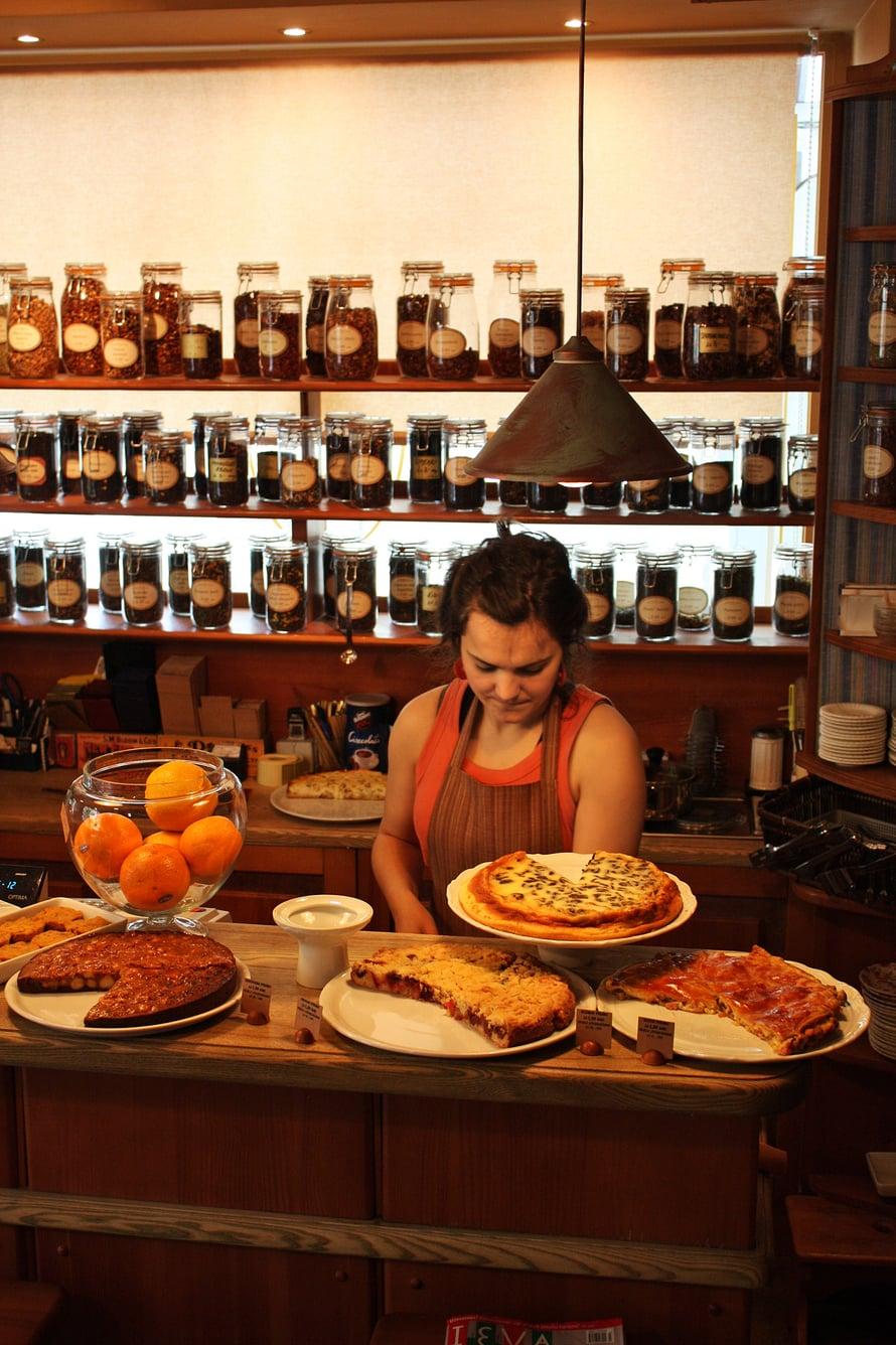 Kahvila Amelie myy ihania piiraita Riian vanhassakaupungissa.