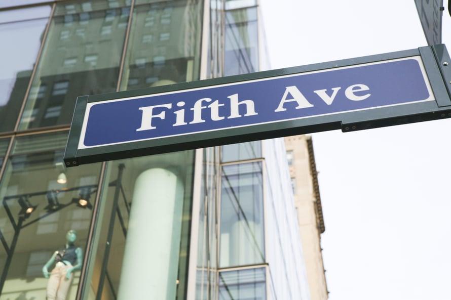 Vauraat ja tyylitietoiset kohtaavat Viidennellä avenuella.