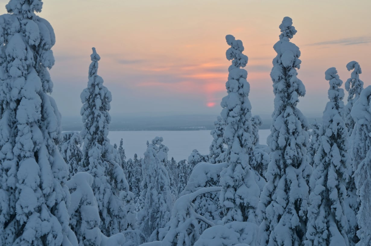 """Pohjoiset Pirkot, Posio: """"Alhaalla kylän pinnassa oli parhaimmillaan -37 astetta pakkasta, mutta vaarassa kymmenen astetta vähemmän -27."""""""