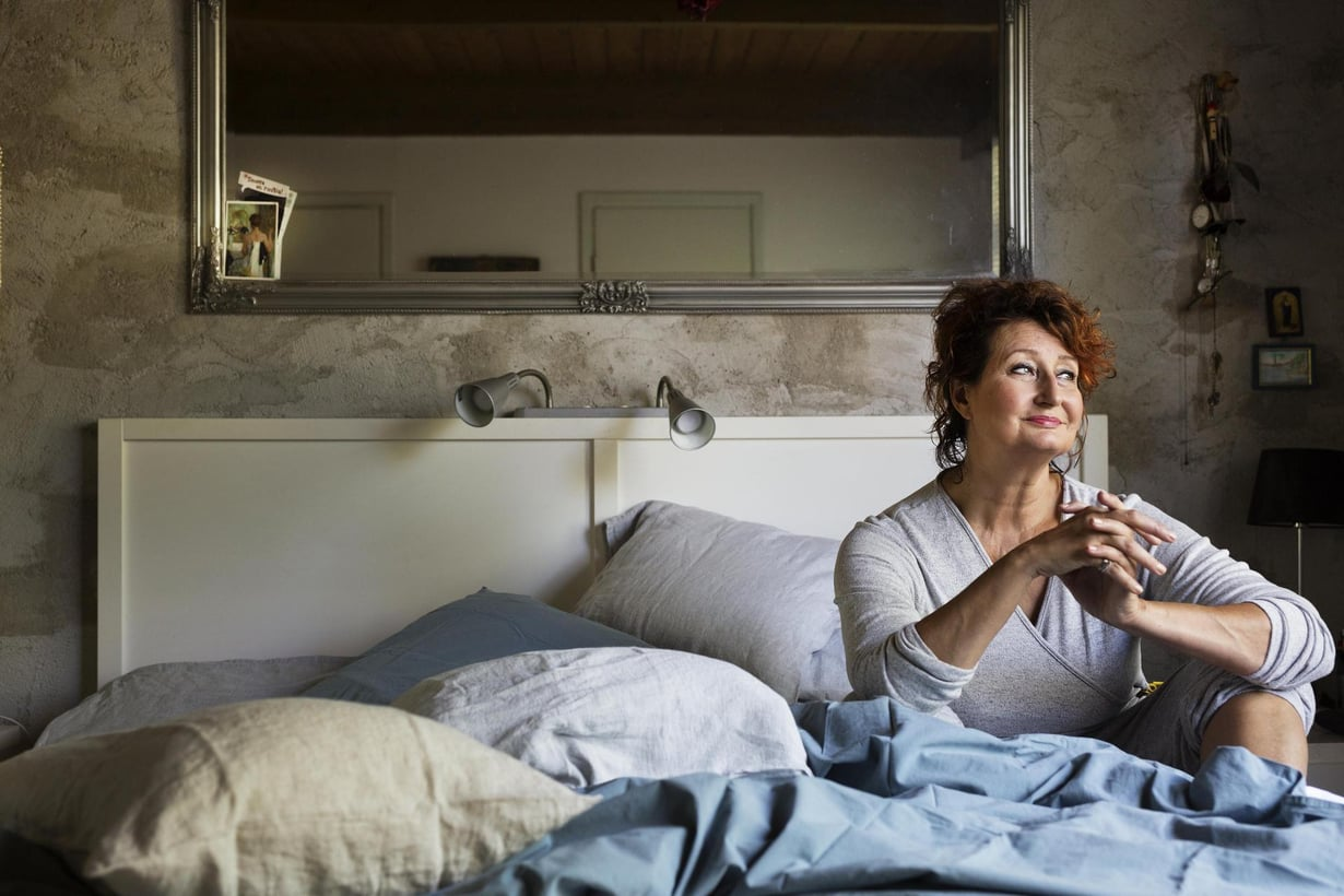 Huolet vaikuttavat Heidi Heralan yö uneen. Hän tasoittaa tarvittaessa päivä väsymystä iltapäivänokosilla.