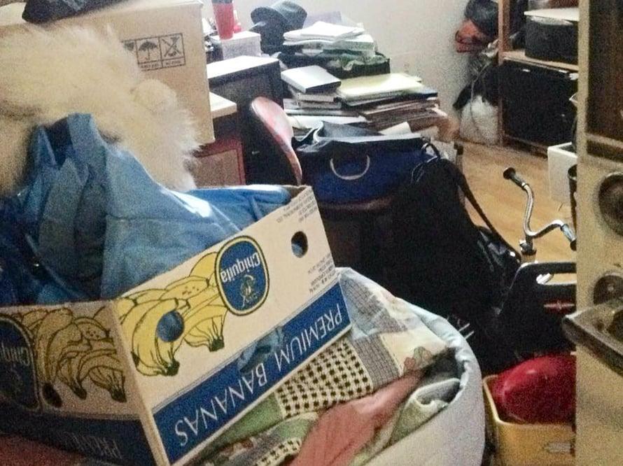 Ammattijärjestäjä Maria Laitinen on huomannut, että puolet hänen asiakkaistaan säilöö kodeissaan aikuisten lastensa tavaroita.