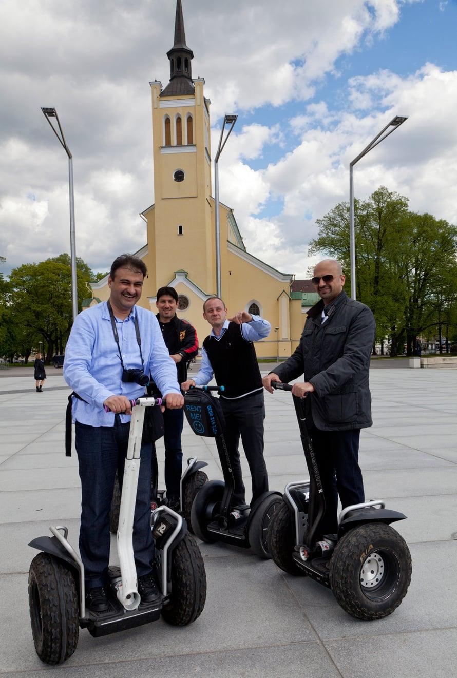 Segway-ajelu on hauska tapa tutustua Tallinnaan.