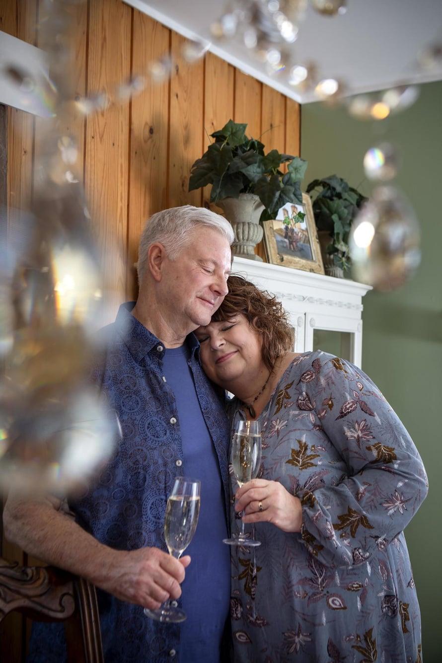 Stewart ja  Raili kilistivät 25-vuotishääpäivälleen.
