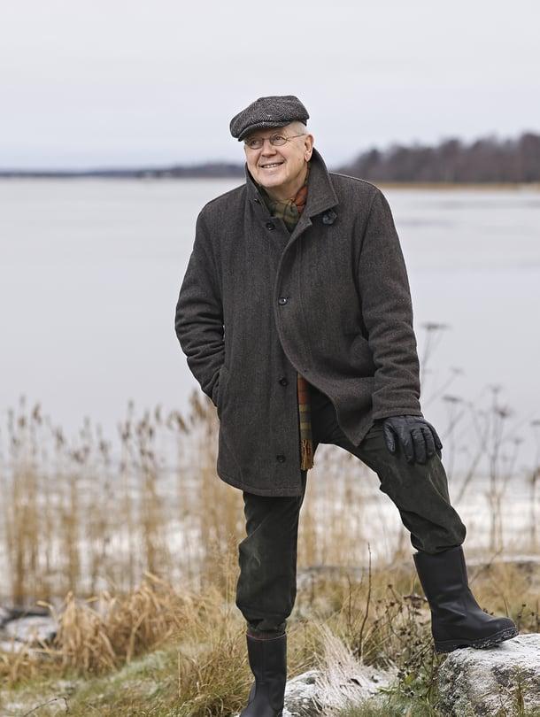 Kirjailja Antti Tuurilla on talo ruotsinkielisellä Pohjanmaalla.