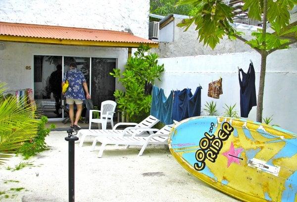 Isle Beach Innin huoneisiin kuului oma piha-alue.