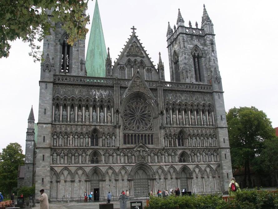 Trondheimin Nidaros katedraali on upea.