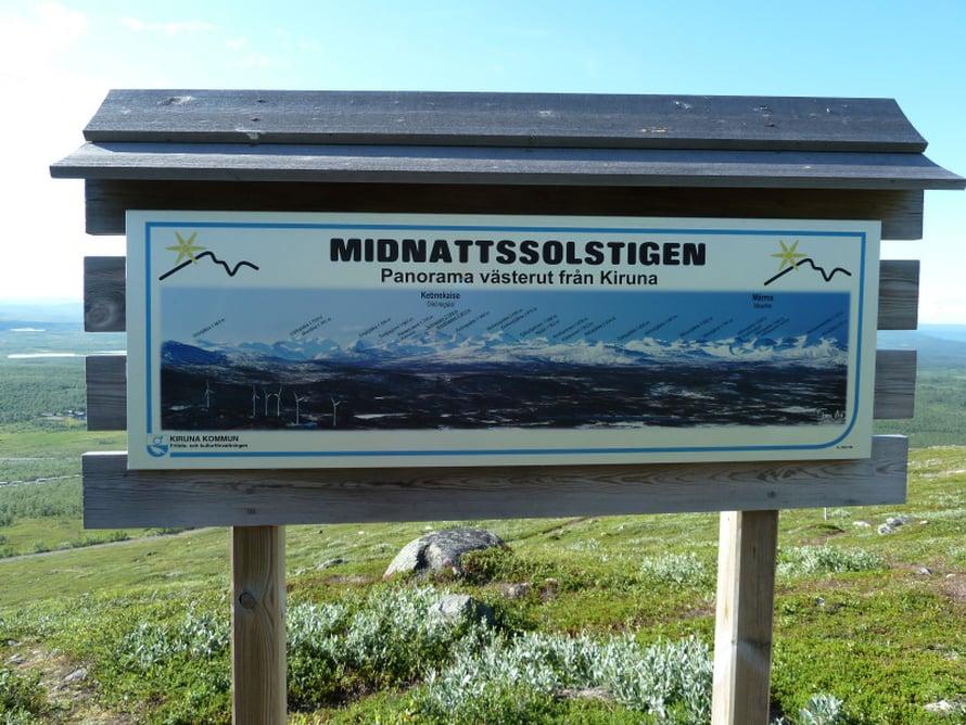 Kaupungin lähellä sijaitsevalle Luossavaaralle kulkee viitoitettu, mukava reitti nimeltään midnattsolstigen eli keskiyön auringon polku.
