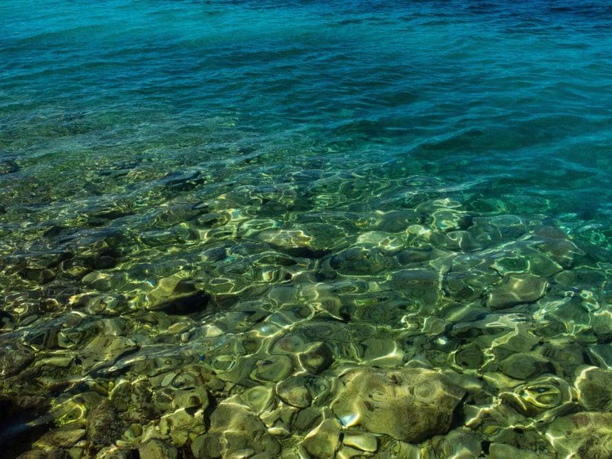 Kristallinkirkasta. Suotta ei Dalmatian saaristoa kehuta Euroopan Karibiaksi.