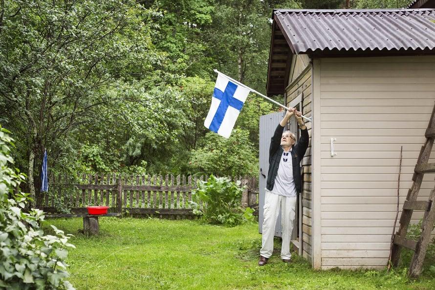 Rakenteet ovat suomalaistalossa edelleen kunnossa, vain katto on pitänyt uusia.