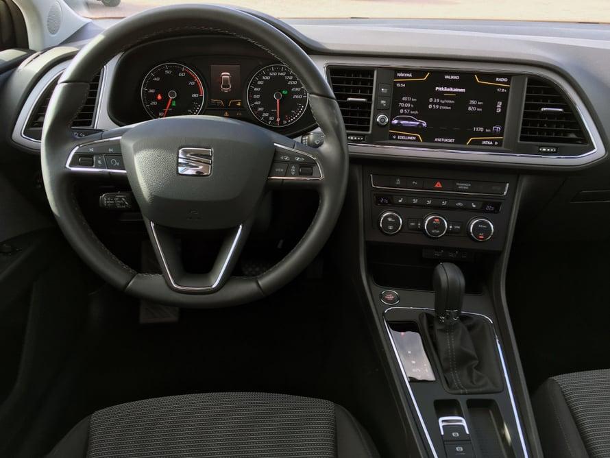 Seat Leonissa on samaa tunnelmaa kuin muissakin Volkswagen-konsernin autoissa.