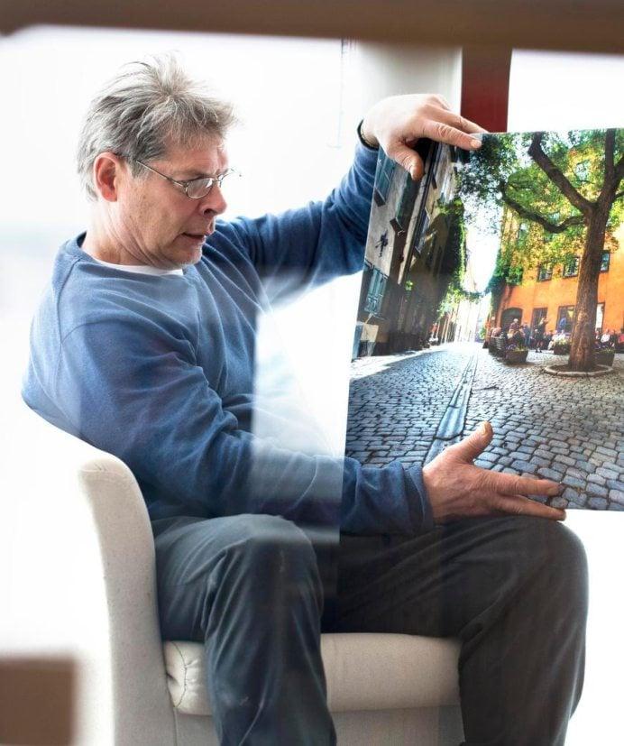 Jouko Arvonen kuvasi aikoinaan mielellään Tukholman vanhaa kaupunkia. Taulu on muisto kiireisistä vuosista.