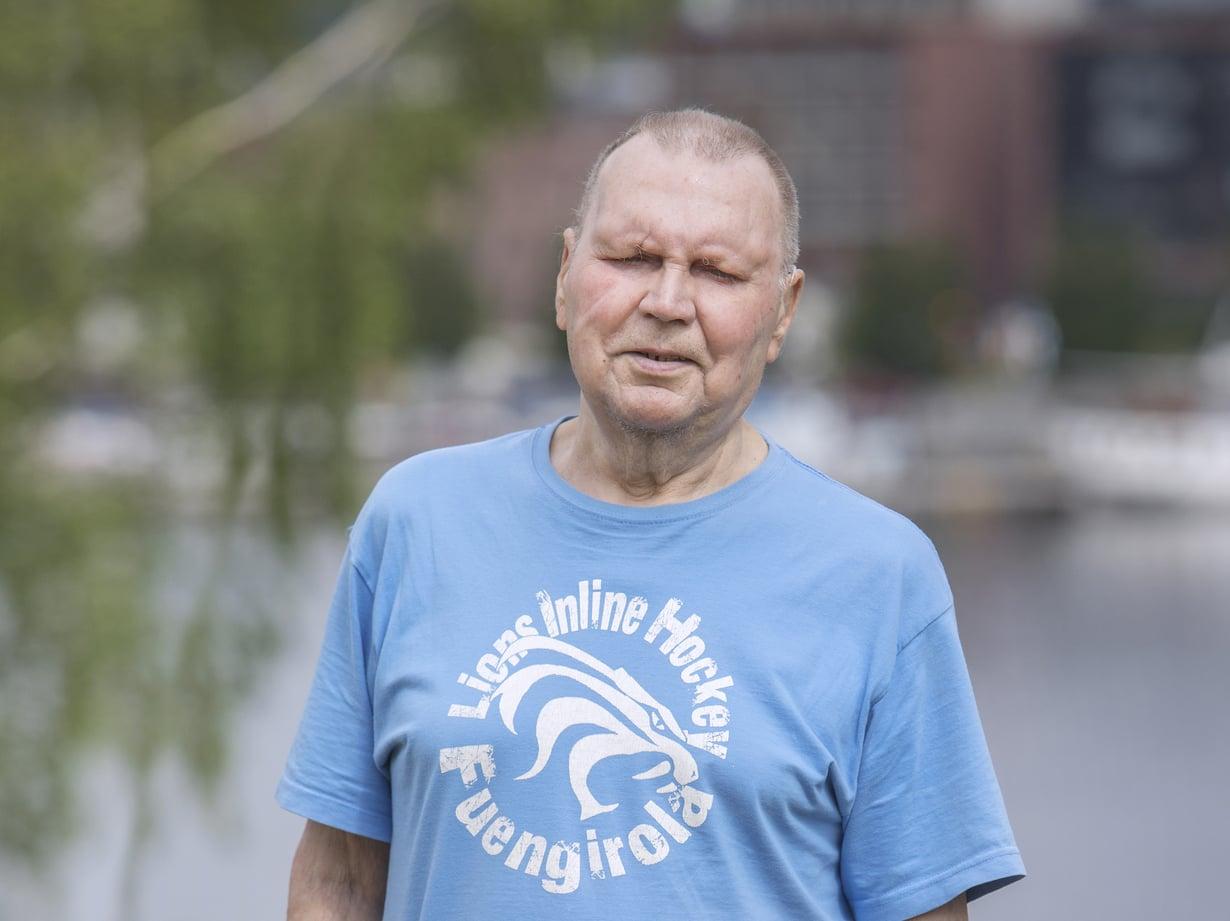 Risto Höglund joutui opettelemaan kävelynkin uudestaan. -Se vaati sisuuntumista. Läheisten kannustus auttoi.