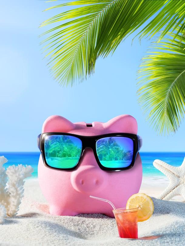 Senteissä itää miljoona! Säästetyillä rahoilla voi vaikka lähteä reissuun.