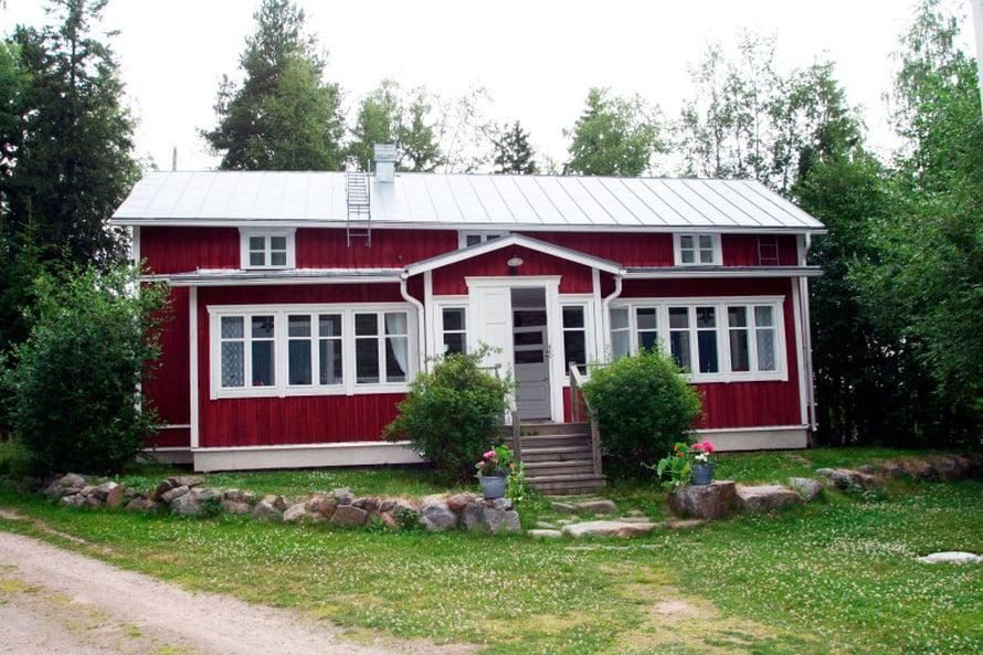 Saaristotila Varppin Västerön saaressa Maksamaalla oli ensimmäinen majapaikkamme.