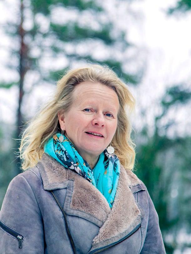 Kaija Juurikkala on 1959 syntynyt elokuvaohjaaja, kirjailija ja perhekotiyrittäjä. Hän on saanut lastenelokuvistaan mm. valtionpalkinnon ja Risto Jarva -palkinnon.
