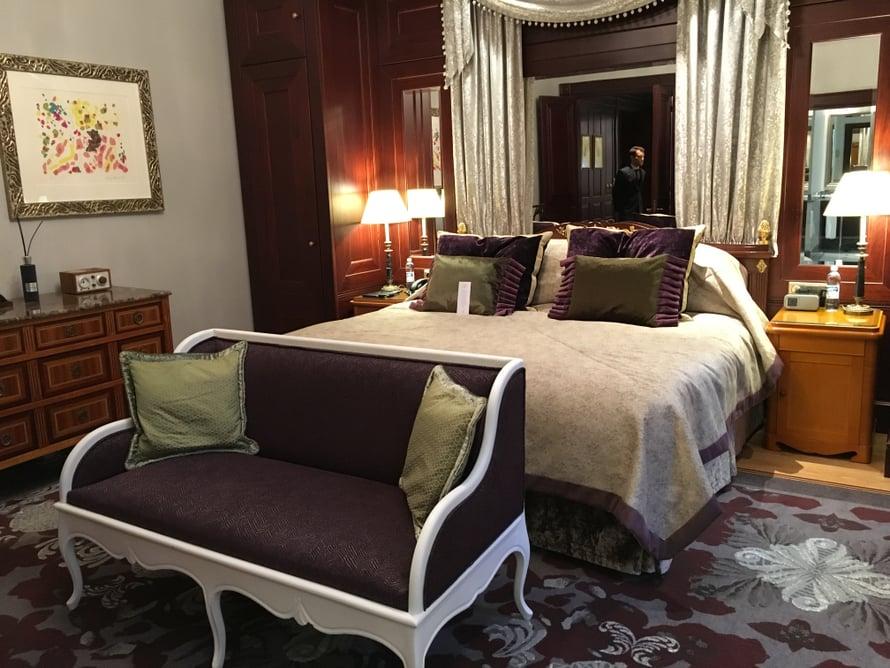 Jos sviitissä yöpyvillä maailmantähdillä on lapsia mukana, he tyypillisesti nukkuvat tässä huoneessa.